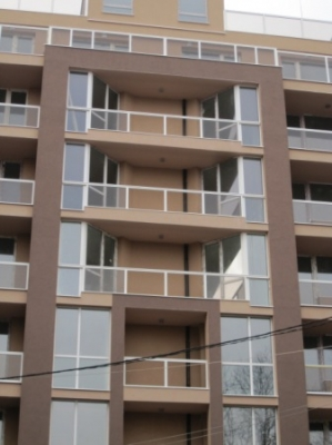 PVC дограма на челна фасада